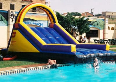 Glad-Slide-over-pool_2
